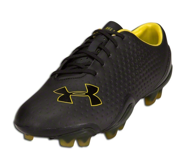 under armor soccer shoes