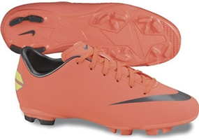 Nike Mercurial Victory III FG Youth Soccer Cleats (Bright Mango/Challenge Red/Mtlc Dark Grey)