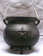 LARGE CAULDRON WITH PENTACLE DESIGN