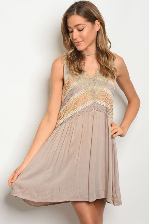 S4-9-3-D5232 TAUPE IVORY DRESS 2-2-2