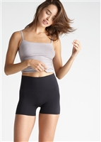 Black ultralight seamless high waist shaping short