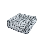 ALEKO PDBOS4 Black and White Skulls and Hearts Design Square Pet Bed 20X20X5 Inches