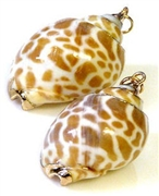 1pc speckled shell charm gold plated