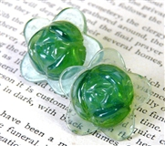2pc glass flower 20mm light green