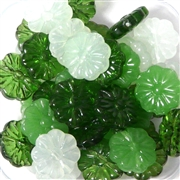 10pc 16mm Glass Flat Flowers Green Mix