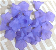 10pc 10mm Lucite Bell Flowers Lavender