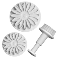Lisa Pavelka Embossing Cutter Daisy Flower