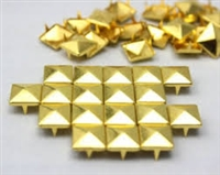 Pyramid Metal Studs - 40ss / 8.5mm