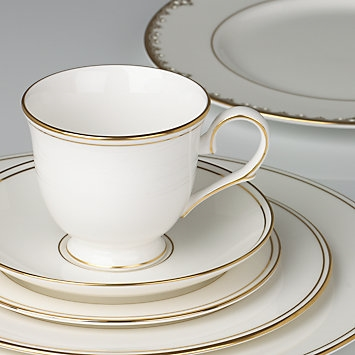 Federal Gold 5-piece Place Setting by Lenox