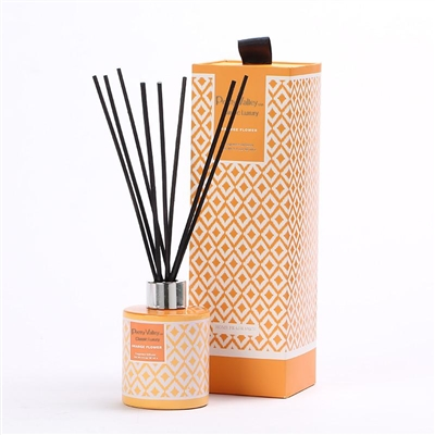 This Reed Diffuser Box comes with a nicely designed glass bottle and the scent of orange blossom oil. Its scent is sweet, honeyed and somewhat metallic with green and spicy facets. This aroma will be a delight in any room in your home. 90ml / 3.0oz 8x8x25