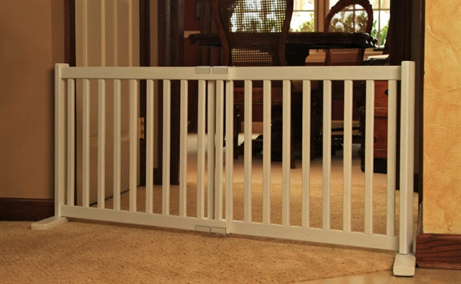 Dynamic Accents Amish Handcrafted Large Adjustable Gate: Free Shipping