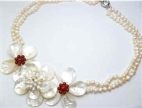 20658 MOP 3 flowers Combo with Pearl Necklace