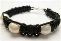 68039 Leather Bracelet with Fresh Water Pearl