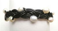 68041 Leather Bracelet with Fresh Water Pearl