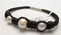 68043 Leather Bracelet with Fresh Water Pearl