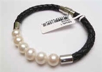 68046 Leather Bracelet with Fresh Water Pearl