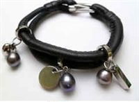 68071 Leather Bracelet with Fresh Water Pearl