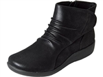 Clarks: Sillian Chell Black Synth. Nub