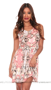 Style Stalker Free Love Faded Blush Geometric Print Short Day Dress