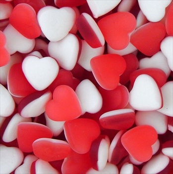 300 RED HEART FRUITY SWEETS