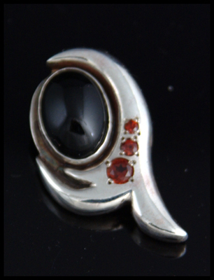 Oval Bling Pendant with onyx and garnet