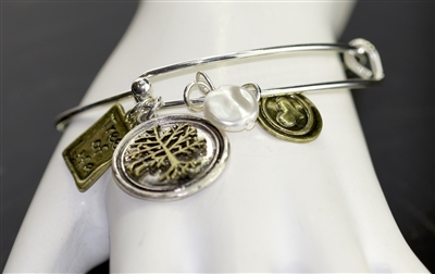 82445 HAMMERED TREE OF LIFE CHARMS BANGLE