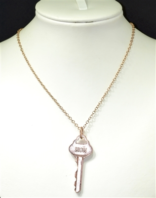 "AN1379 HAMMERED ""MOM"" KEY NECKLACE"