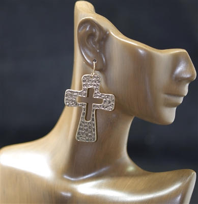 E8360 HAMMERED OPEN CROSS EARRINGS