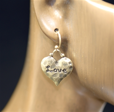 QE-3163 HAMMERED HEART POST EARRINGS
