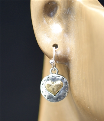 QE-3246 SMALL HAMMERED HEART EARRINGS
