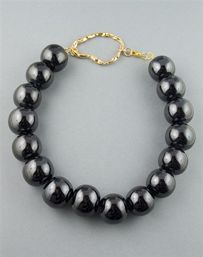 Black Iridescent Beads necklace by Paula Rosellini