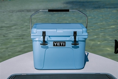 YETI Roadie 20 Cooler - Ice Blue