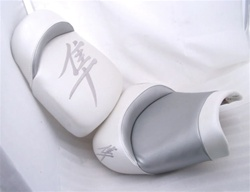 Hayabusa Front & Rear Seats White/Silver Embroidered