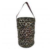 Leopard bath caddy.