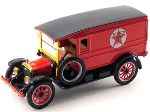 1:32 White Delivery Van '20 (Texaco)