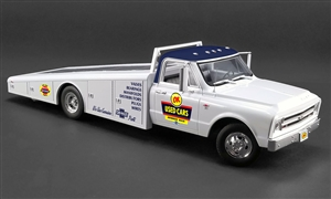 1:18 Chevy C-30 Ramp Truck '1967 - OK Used Cars