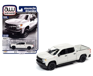 1:64 2019 Chevy Silverado Custom Trailboss - Pearl