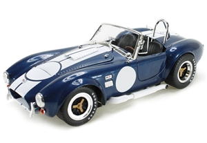 1:18 Shelby Cobra 427 S-C '65 w- Carroll Shelby Signature