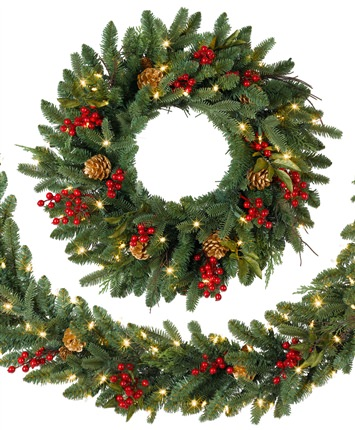 Classic Holiday Christmas Wreath