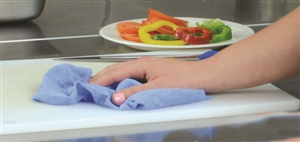 Heavy Duty Food Svc Blue Wipe - 13.5 in. x 18 in.