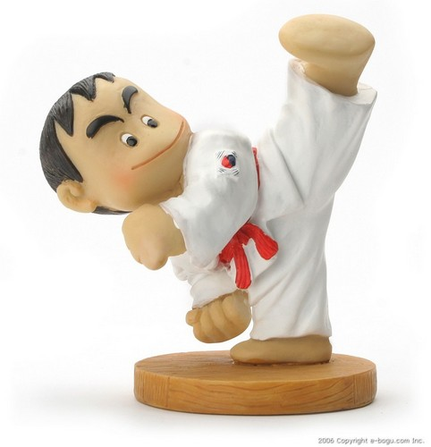 Taekwondo Doll (High Kick)