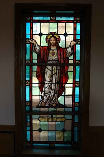 SG 415 Sacred Heart Of Jesus Stained Glass Window Classical