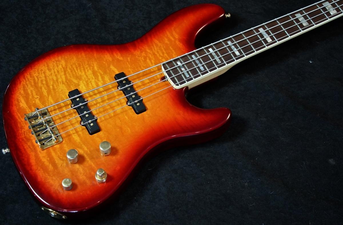 Fender American Deluxe Quilt Maple Top Jazz Bass 4