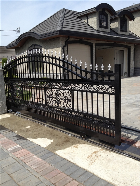 Classical Aluminum sliding gate