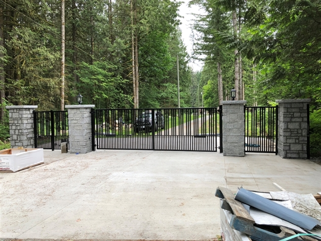 Swing Aluminum gate