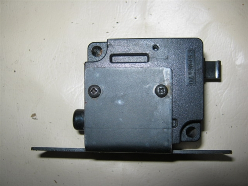 Jaguar Xj6 Inertia Fuel Cutoff Switch Dac1761 Dbc2022rhshopeverydayxj: 1997 Xj6 Fuel Pump Inertia Switch Location At Elf-jo.com