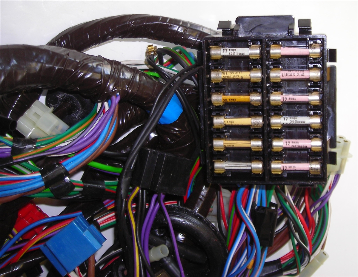 triumph tr8 main wiring harness rh britishwiring com triumph tr7 wiring harness Triumph Stag