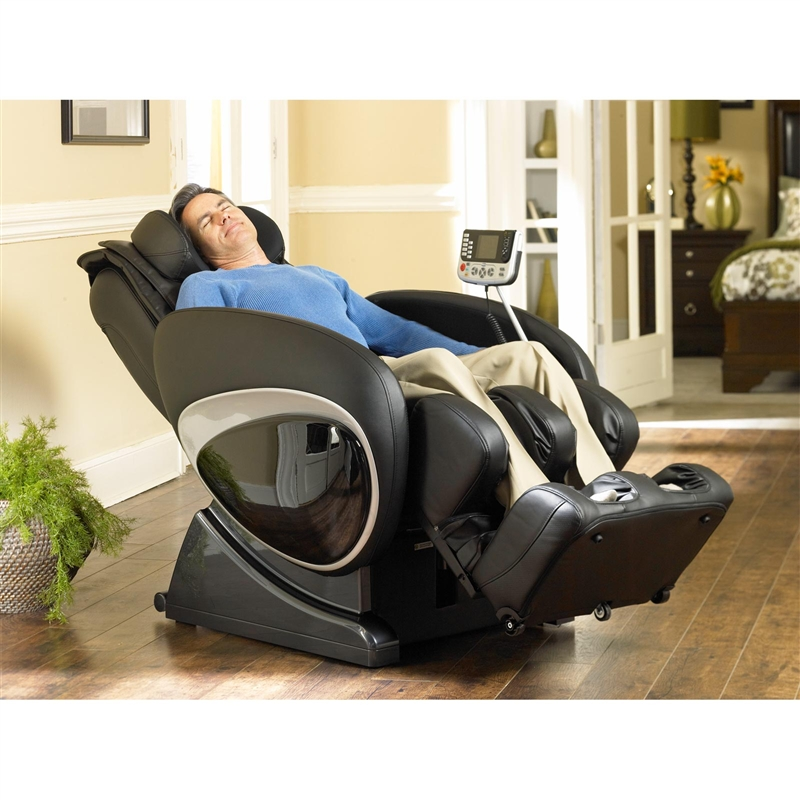 older man relaxing in a cozzia 16027 massage chair