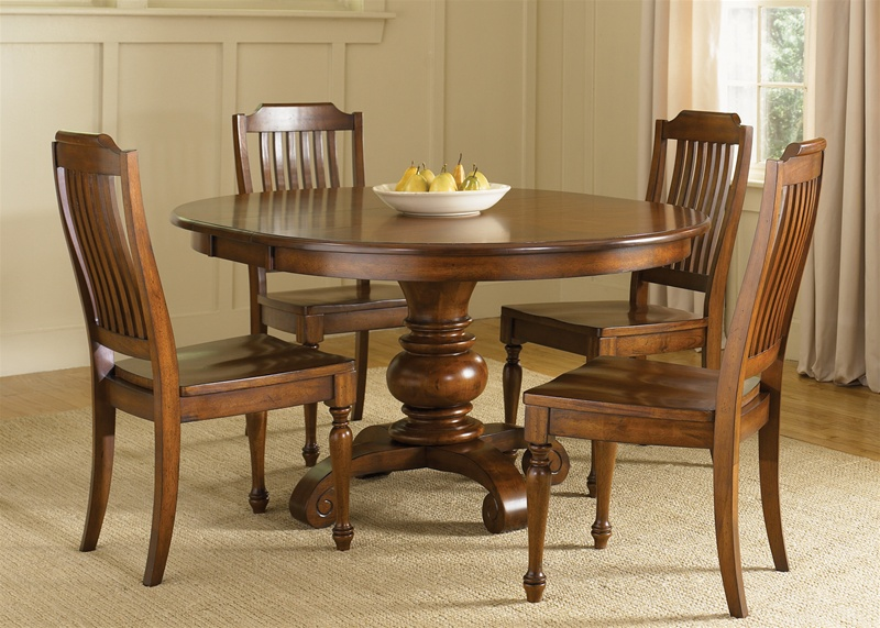 Americana Round Pedestal Table 5 Piece Dining Set In Chestnut Finish