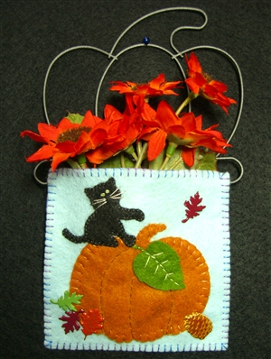 Mini-Me Great Pumpkin 'N' Kitty Gift Holder